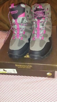Sears and Roebuck & Co Boots 208 km