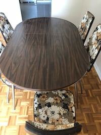 Dining table with 5 chair  Toronto, M4C 5M1