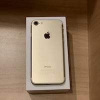 iPhone 7 32gb Gold. Used 8/10 condition! UNLOCKED.