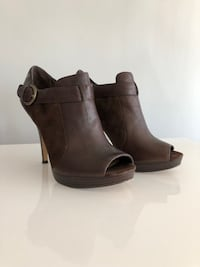 Coach open toe heels leather and suede Toronto, M6B 2Z1