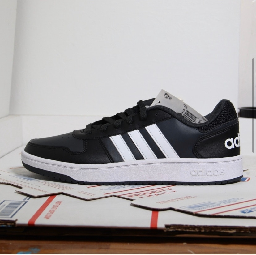 Photo Adidas black/white hoops 2.0 low tops
