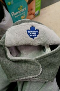 Toronto maple leaf baby hat Courtice, L1E 2N4