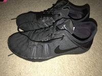 BRABD new nike shoes $40 firm size 7 London, N5Y 4V4