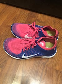 Nike 4.0 flyknit running shoes Markham, L3T 4T4