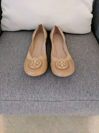 Tory Burch Beige Leather Flats 8.5- New Oakton, 22124