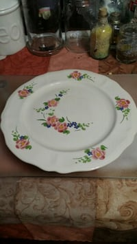 Flowered cake plate