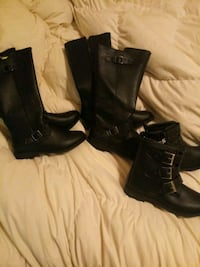 pair of black leather boots Rockford, 61103