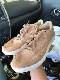 Reebok's size 9 Los Angeles, 91402