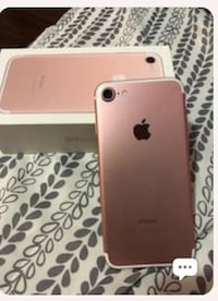 Unlocked rose gold iPhone 7 128gb with box and a case Vancouver, V5S 1K3