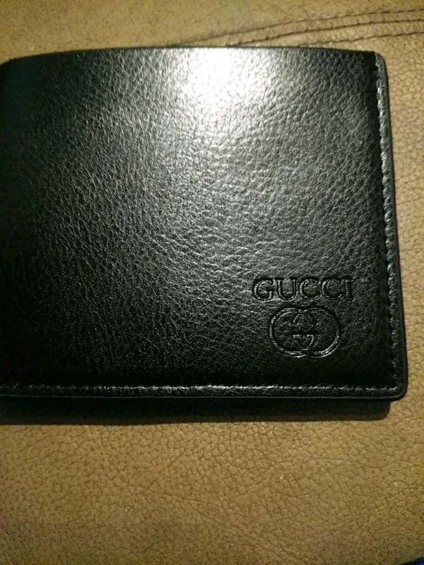 c091562eceadf5 Used black Gucci leather bifold wallet for sale in St. Louis - letgo