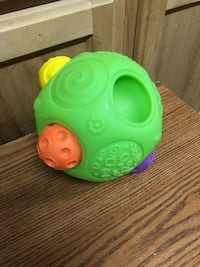 Ball toy- missing one Bakersfield, 93314
