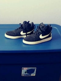 Size 8 Nike  Victorville, 92392
