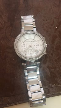 Round silver michael kors chronograph watch with link bracelet 262 mi