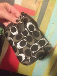 Coach clutch Malden, 02148