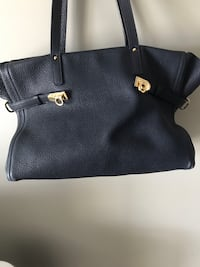 Leather bag -dark navy Calgary, T3N