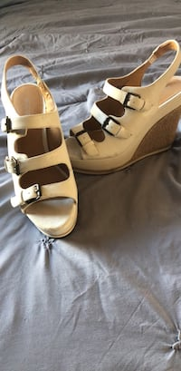 Pair of light brown Nine West never worn leather open-toe wedge sandals Wahiawa, 96786