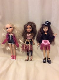 3 dolls with extra clothing and accessories Barrie, L4N 5Y9