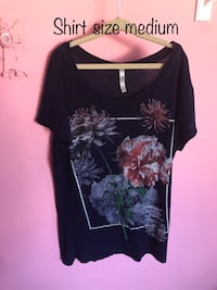 black and gray floral scoop-neck shirt Colorado Springs, 80909