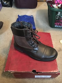 Men's NEW Brown boots
