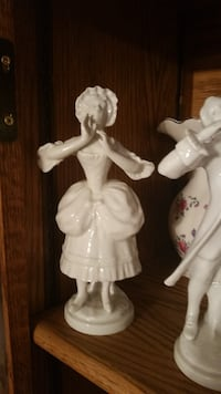 Old style figurines