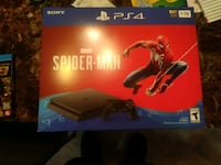 Sony PS4 console with controller and game case Auburn, 98002