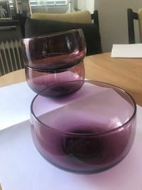 3 purple glass bowls Stockholm, 112 47