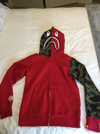 New Authentic red and camo bape shark hoodie (size small) East Gwillimbury, L0G 1V0