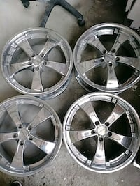 four chrome 5-spoke automotive wheels Los Angeles, 90003