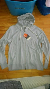 New with tags gray zip-up hoodie Montreal, H8T