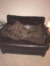 black and brown floral fabric sofa 47 mi