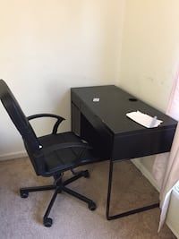 Steel structure desk with rolling chair  New Brunswick, 08901