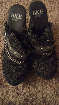 pair of black BKE Sole leather chunky heel mules