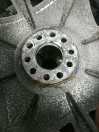 gray vehicle wheel Beltsville, 20705