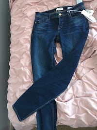 Size 29 brand new guess skinnyjeans! Kitchener, N2R