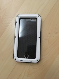 iPhone 6s - Very sturdy metal clamped silicone case Mississauga, L5C 4E7
