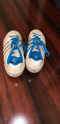 girls  blue soccer shoes