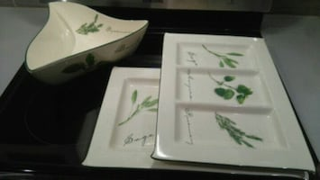 Quality trays and bowl