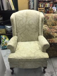 Wing back chair Angier