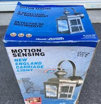 Motion sensing carriage light new england style Mississauga, L5N