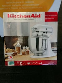 white Kitchen Aid stand mixer box Lincolnia, 22312