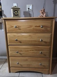 "Cute wooden dresser ""Quality craft furniture"" Santa Ana, 92703"