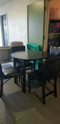 Dining table and chairs Orlando, 32837