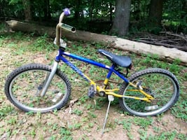 Kids bike for parts or fix