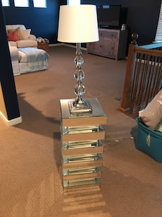 Mirrored End Table & lamp