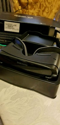 Samsung Gear Vr with controller  Brooklyn, 11216