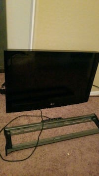 black flat screen TV with remote Gilbert, 85295