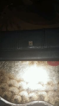 I have a very nice ladies wallet in good condition Albuquerque, 87108
