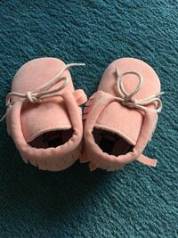 Brand new Baby shoes 6-12 months Toronto, M5S 0A4
