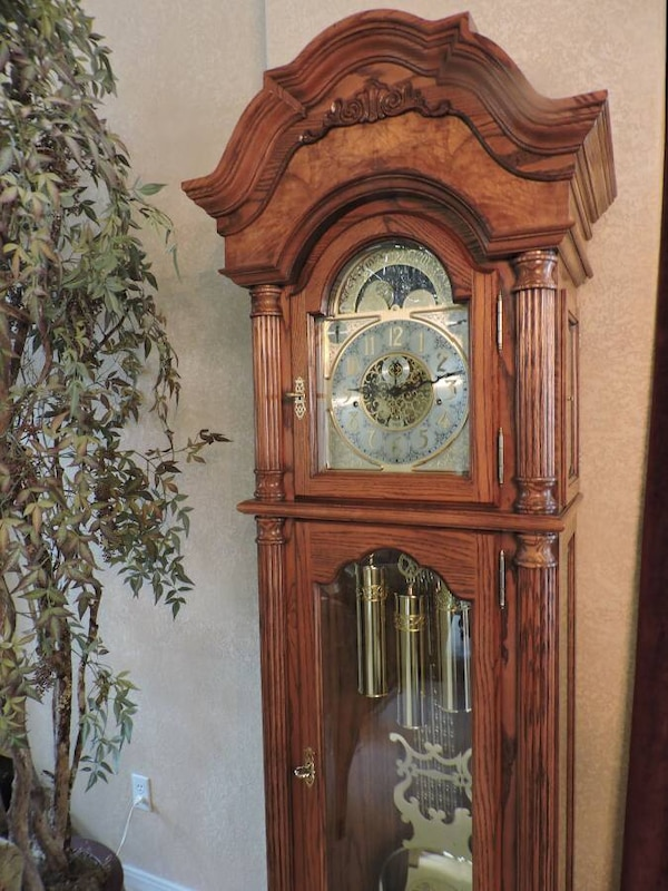 Sligh Grandfather Oak Floor Clock Like New Rare Model