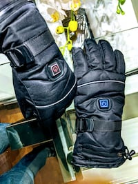 Battery powered heating work gloves, waterproof